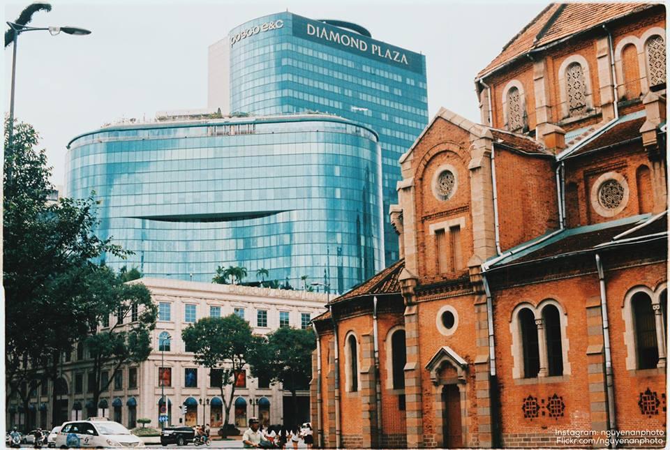 Hiện đại và cổ kính - Nguyễn Việt An